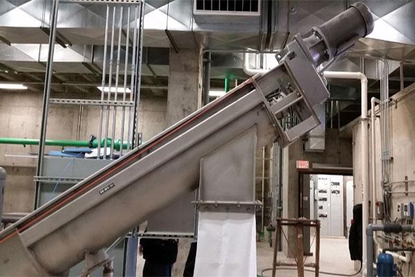 طراحی تولید و ساخت اسکرو لوله ای یا کانوایر شیبدار